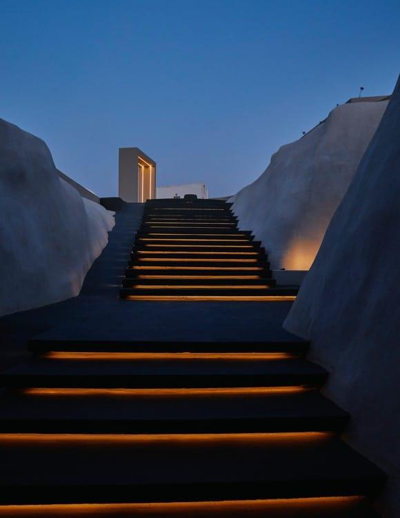 2528-hotel-photography-santorini-divine-cave