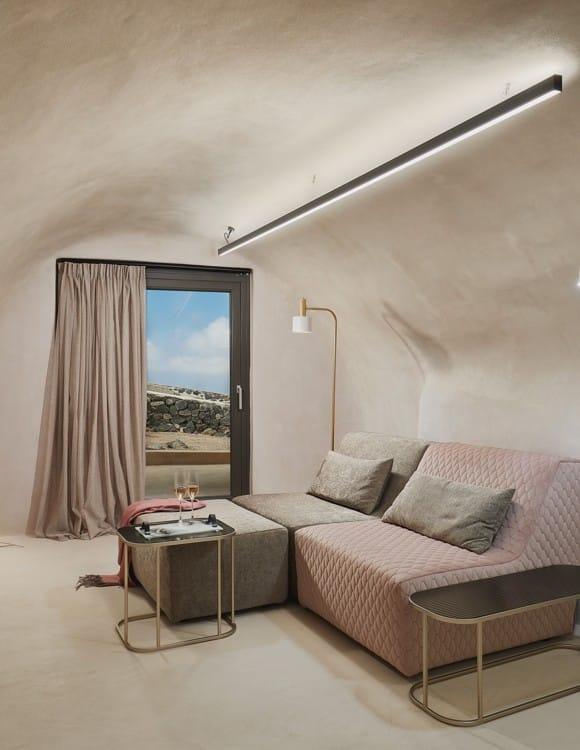 2647op-hotel-photography-santorini-divine-cave